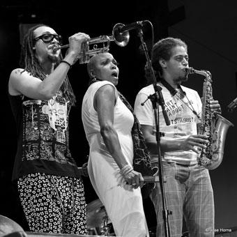 Theo Croker, Dee Dee Bridgewater et Irwin Hall © Jose Horna