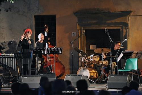 Daniela Spalletta Trio © Fabio Botti/Fotos Simonetti, by courtesy of Iseo jazz