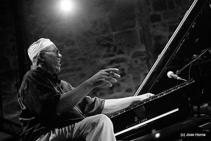 Randy Weston's African Rhythm Quintet & The Master Gnawa Musicians of Morocco, San Sebastian 2009 © Jose Horna