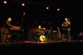 Jermaine Landsberger (org), André Ceccarelli (dm), Paulo Morello (g), Colmar 2014 © Guy Reynard