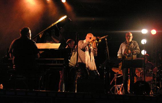 Belmondo Quintet: Eric Legnini, Sylvain Romano, Stéphane et Lionel Belmondo, Tony Rabeson, Langourla, 2 août 2019 © Yves Sportis