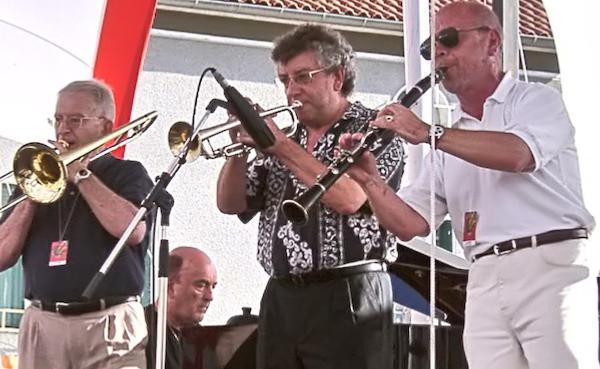 Michel Camicas (tb), Christian Azzi (p), Boss Quéraud (tp), Jacques Montébruno (cl), le 5 août 2001, Marciac © Lisiane Laplace