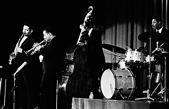 Louis Hayes w/Cannonball Adderley Group, Cannonball Adderley, Nat Adderley tp, Sam Jones b, Louis Hayes dm, Copenhagen 1961 © Lennart Steen/Jan Persson Archives/CTSIMAGES. Used with permission.