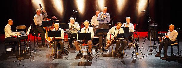 De gauche à droite: Luc Triquet (p), Jean-Louis Bisson (b), Bernard Bosset (ts), Jean-Marc Farinone (tb),Yves Autret (as),  Albert Glowinski (dm), Jean-François Higounet (tp), Jean-Philippe Winter (bar), Fernand Polier (tp), Claude Abadie (cl),  Jazz à Vian, 19 janvier 2020 © Laurent Coste, by courtesy