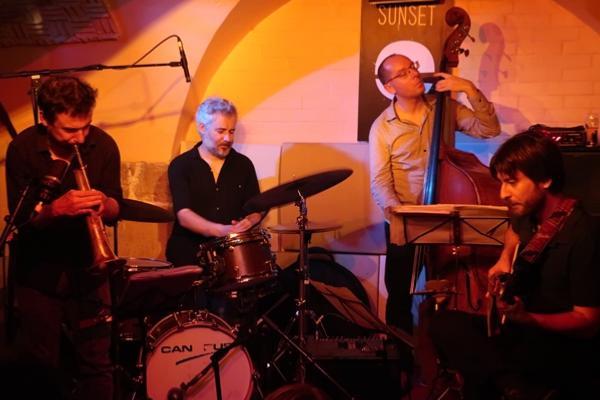Frédéric Pasqua Quartet: Yoann Loustalot (flh), Frédéric Pasqua (dm), Yoni Zelnik (b), Nelson Veras (g), Sunside, Paris (mai 2018) © Jean-Pierre Alenda