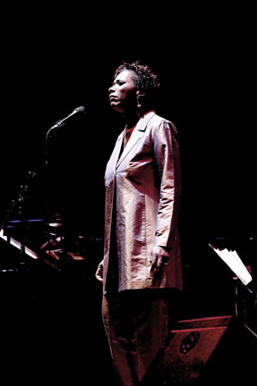 Carmen Lundy at Queen Elizabeth Hall, London, 7 december 2002 © David Sinclair