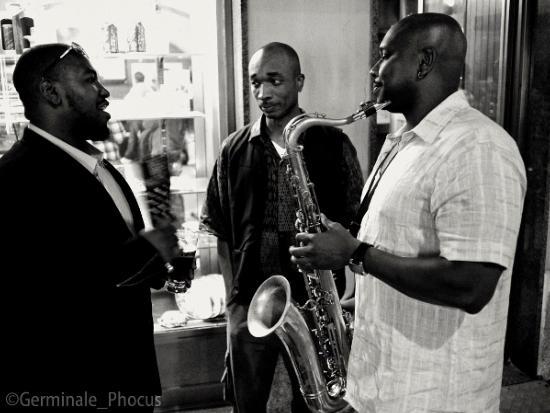 Dezron Douglas, Eric MacPherson et Abraham Burton, dans les coulisses de Laigueglia Percfest 2010 © Umberto Germinale