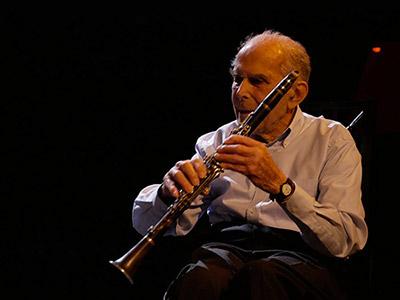 Claude Abadie toujours à l'écoute de son orchestre, Ville-d'Avray, 19 janvier 2020 © Jérôme Partage