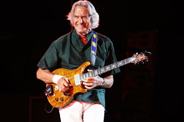 John McLaughlin/The 4th Dimension © Guy Reynard