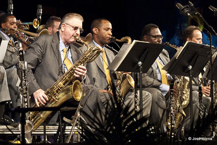 Joe Temperley au sein de la section de saxophones du Lincoln Center Jazz Orchestra: Wlater Blanding, Sherman Irby, Ted Nash, Victor Goines, Vitoria 2009 © Jose Horna
