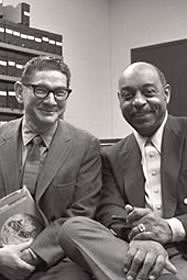 Morroe Berger et Benny Carter, 1972 (source:http://newarkwww.rutgers.edu/IJS/berger-carter-fund/index.html)